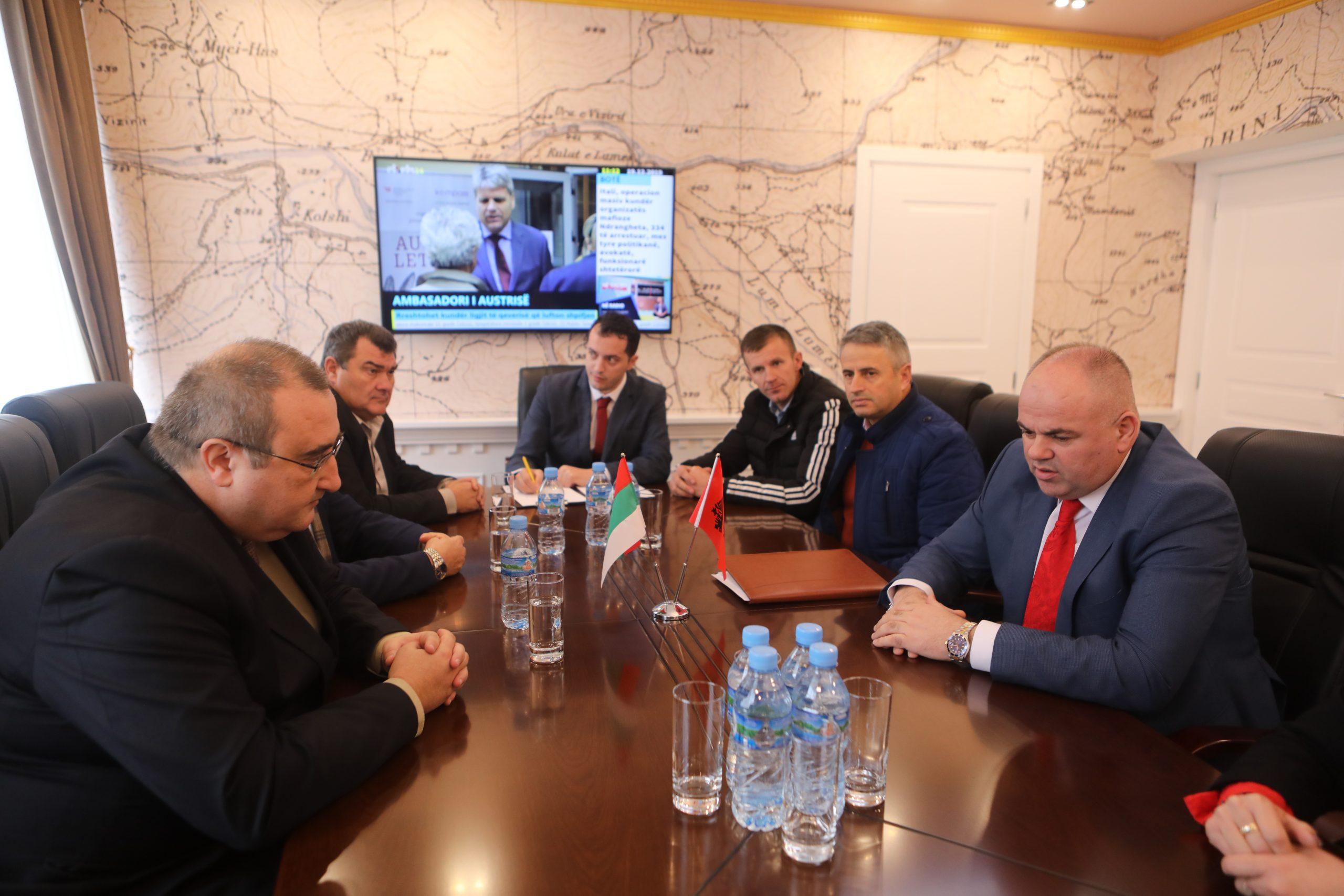 Kryetari i Bashkisë pret në takim Ambasadorin e Bullgarisë