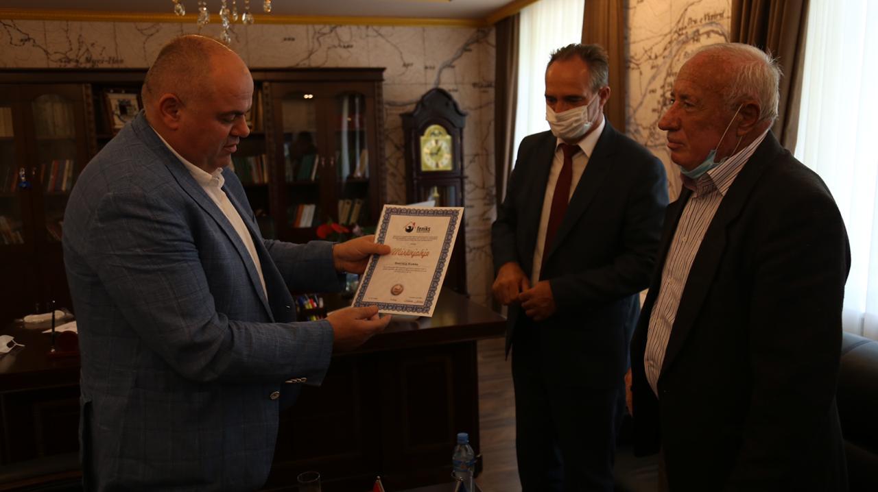 Shoqata FENIKS nga Kosova dhe kryetari i bashkisë Kukes z.Safet Gjici dorëzuan 6 shtëpi të reja per familjet ne gjendje te keqe ekonomike