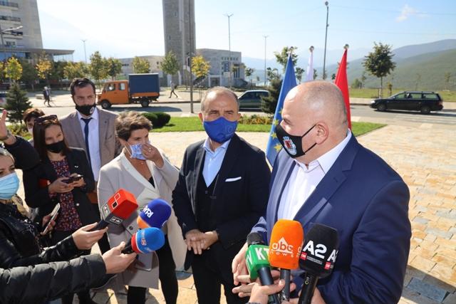 Kryetari i Bashkise Safet Gjici, priti Ambasadorin e Delegacionit Europian në Shqipëri, z.Luigji Soreca.