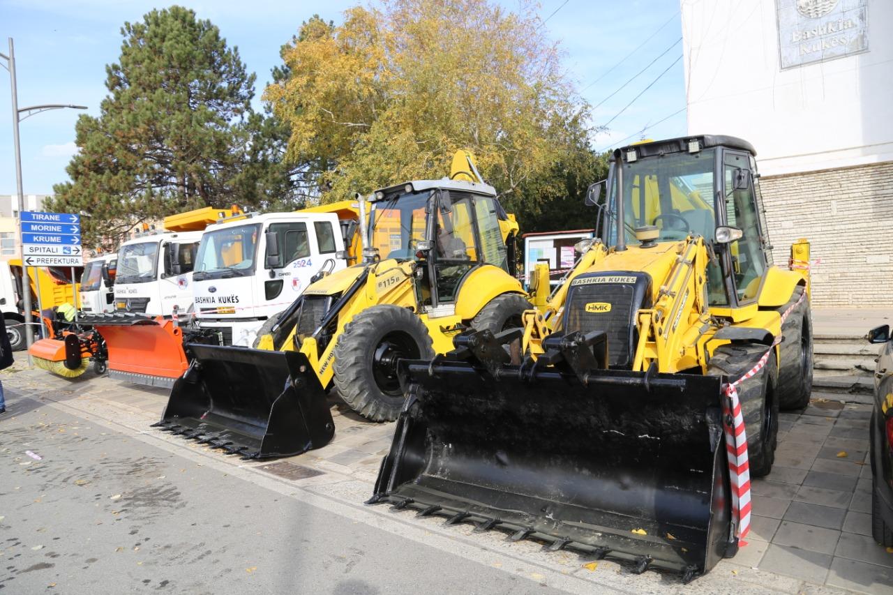 Drejtorisë së Rrugëve Rurale pranë Bashkisë Kukës i shtohen 7 makineri per mirembajtjen e rrugeve
