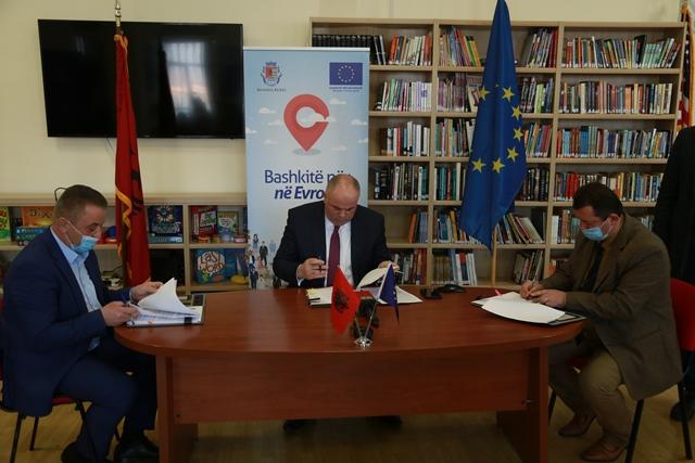 Nënshkruhet marrëveshja e tre bashkive për menaxhimin e mbetjeve
